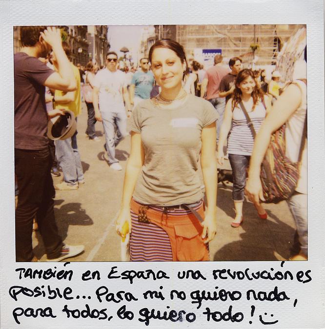 Sol González. 25 años. Agente de viajes.